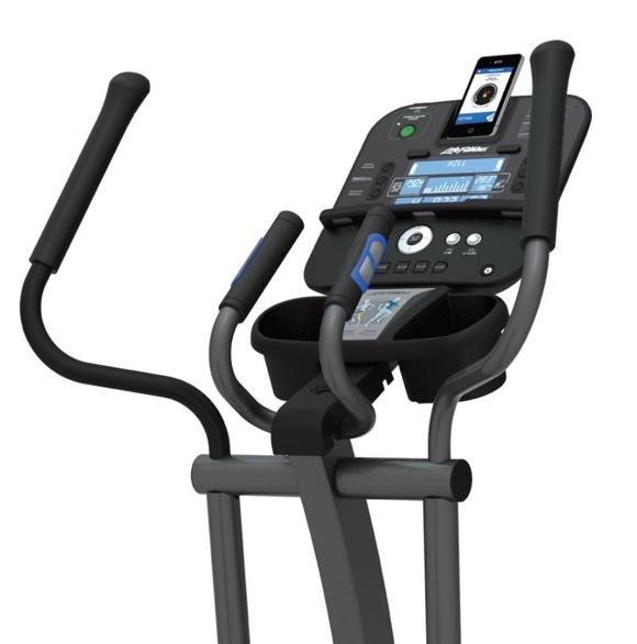 580px-E1-Track-Konsole-Crosstrainer-Life-Fitness-Content-inkl-Gratis-Polar-Pulsuhr-und-Matte